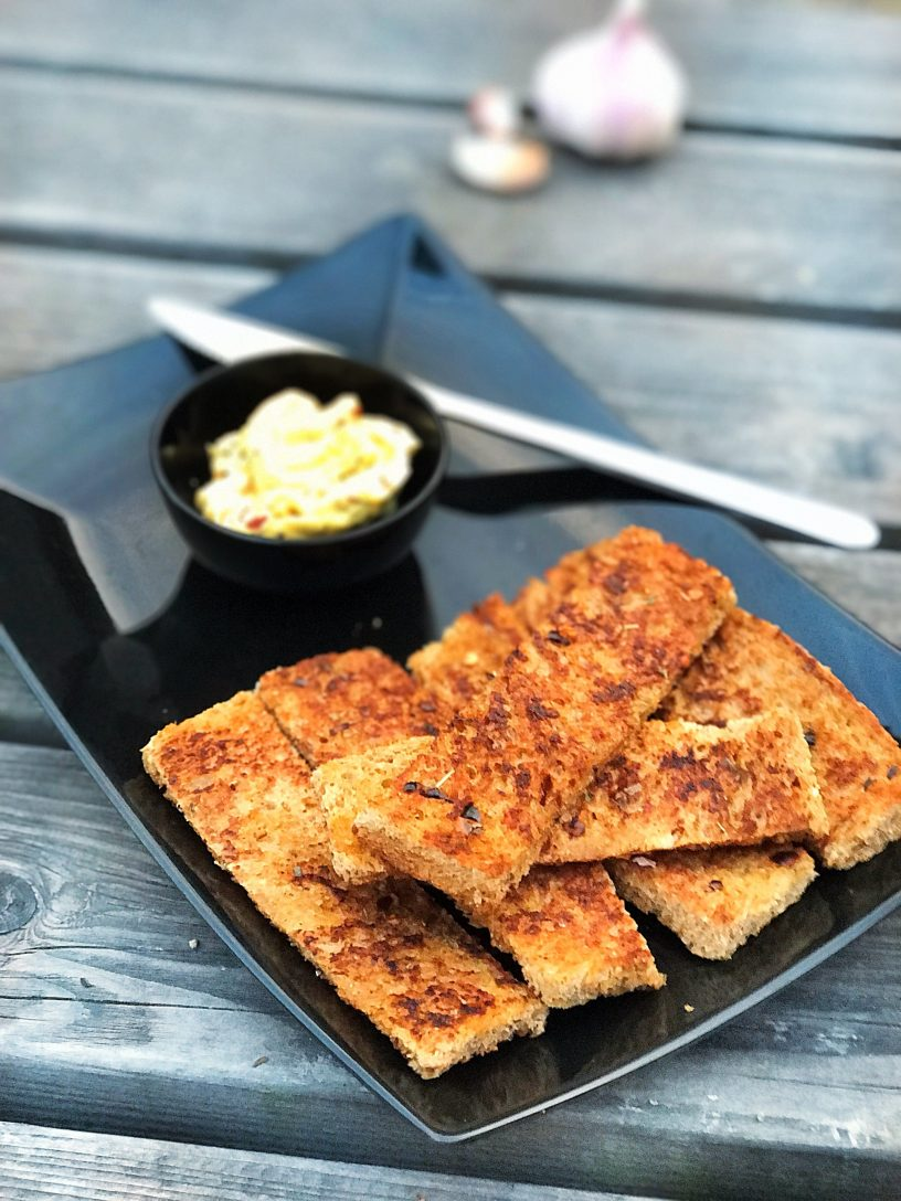 Wholewheat Garlic Breadsticks